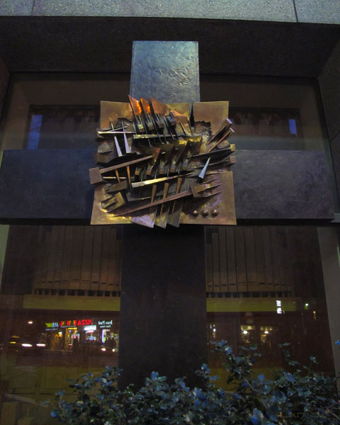 Abstract Cross, 2012, photo by Fred Hatt