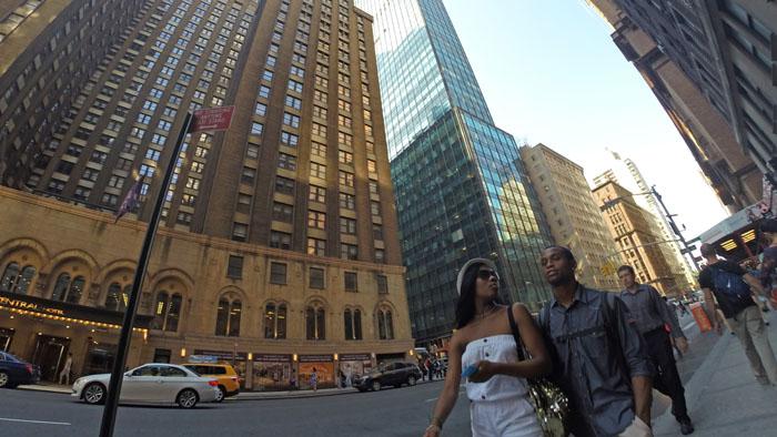 Manhattan Couple, 2014, photo by Fred Hatt